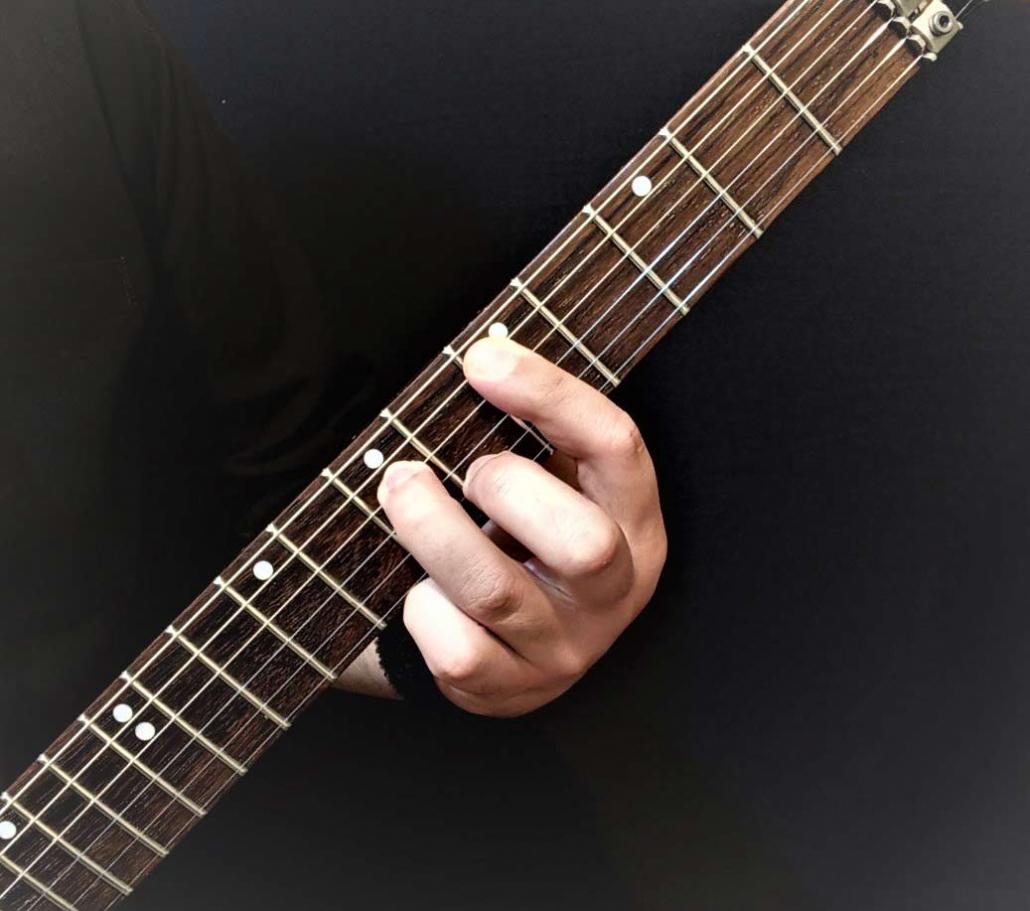 آموزش آکورد ر مینور 7 گیتار الکتریک